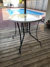 round black metal framed glass top table Jeffersonville, 47130