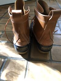 pair of brown leather boots Mobile, 36609