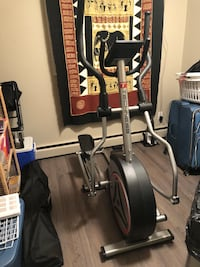 Techness FD 1000 Elliptical BARELY USED