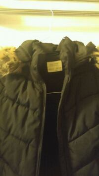 Kids winter jacket Size 8 Vancouver, V5R 2C1