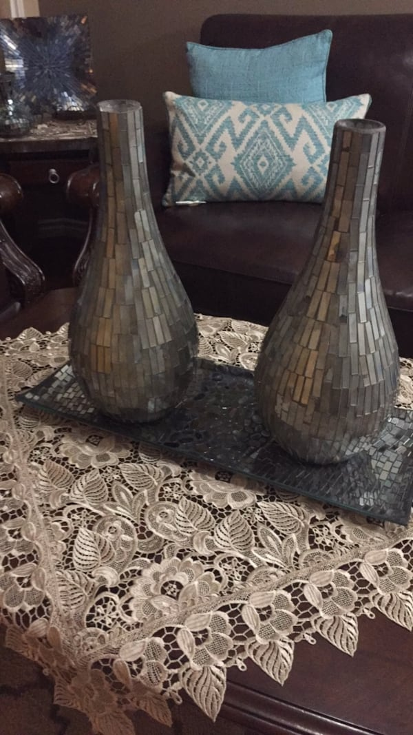 Black and gray silver vases  4cae3d84-141f-4264-b8f7-8623af687794