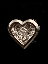 18kt white princess cut Diamond heart earrings Los Angeles, 90012