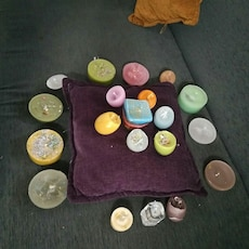 assorted color tealight candle