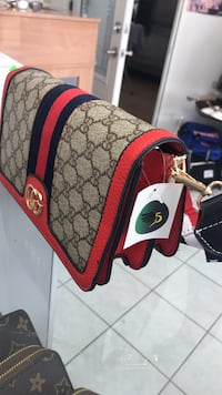 Gucci bag with strap ,brand new  Calgary, T2B 3G1