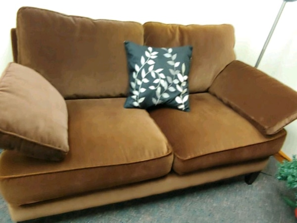 Loveseat, fabric 72e9f301-5759-4a63-9826-b44481498cb4