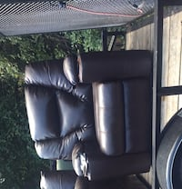 Brand new large electric leather chair Berryville, 22611