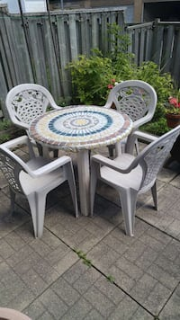 Patio table and 4 chairs Ontario