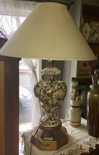 Brown and white table lamp Ridley Park, 19078
