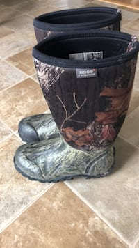 Bogs winter boots Barrie, L4M 4A6