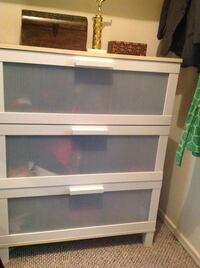 white wooden 3-drawer chest Los Angeles, 90293