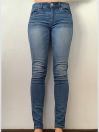 AE Jeans - Size 2 Vancouver, V5Y 0H6