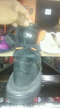 Y3 used but like new. Ph [TL_HIDDEN] . Pick up. Brooklyn, 11237