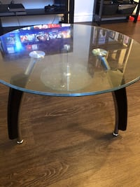 round glass top coffee table St Catharines, L2M 3S5