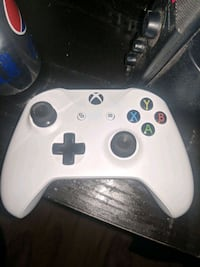 white Xbox One wireless controller Oakville