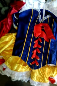 Snow white cosutume worn once Los Angeles, 91411