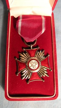 POLOGNE / POLAND - WW II Cross of Merit - Republic of Poland in the original box New York