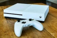 white Xbox One console with controller Jacksonville, 32246