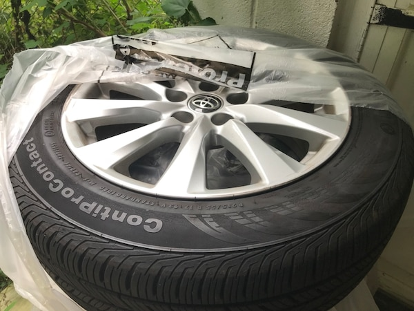 Tires and Wheels - 2018 Toyota 0142c88b-fb46-4eb6-b6b1-39c3c2e3bd32