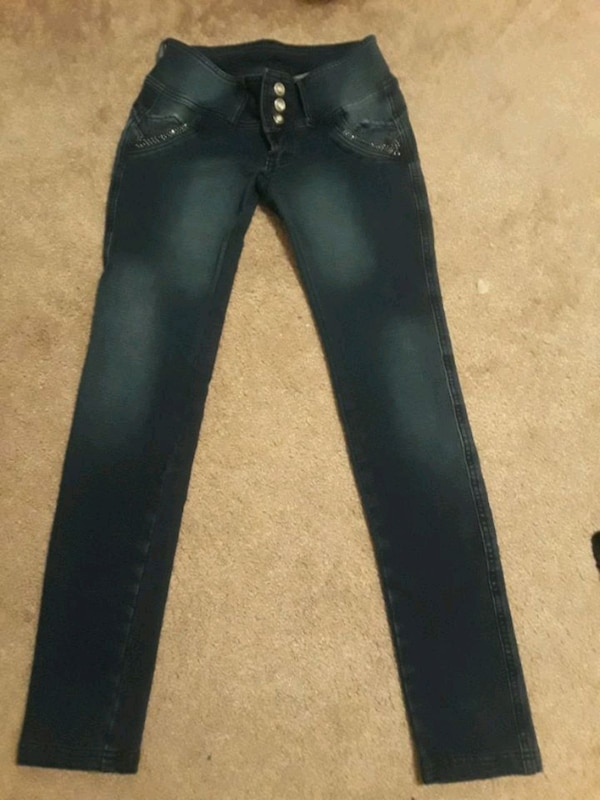 Jeans size 30 good condition!!