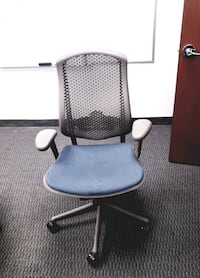 Office chairs all different kinds Toronto, M3A 2J4
