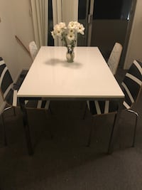 Like new Torsby ikea table and chairs Los Angeles, 90025