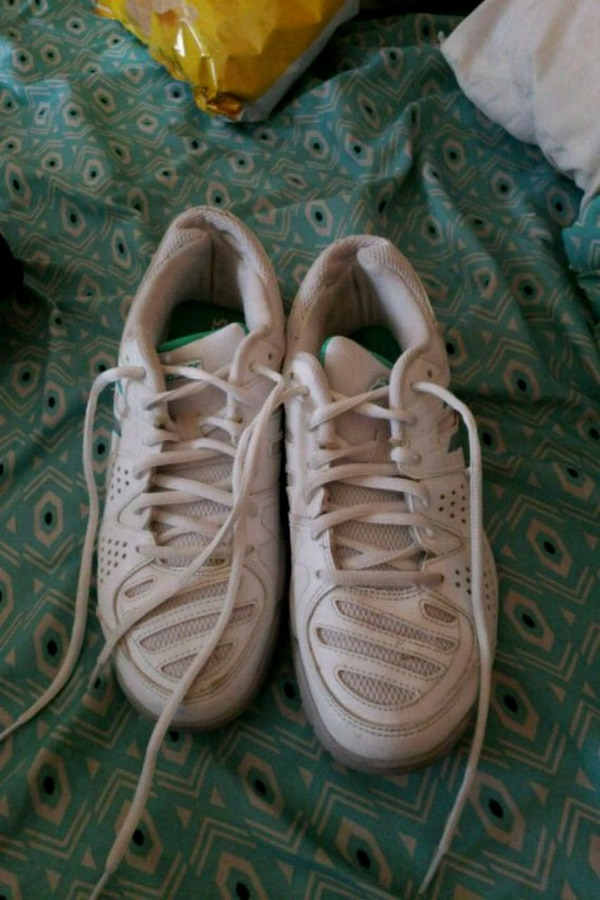 f4e69bc7e Used slightly worn size 8 womans shoes for sale in Gardner - letgo