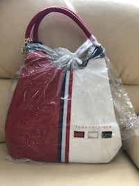 white and red leather tote bag Burnaby, V5E 1E4
