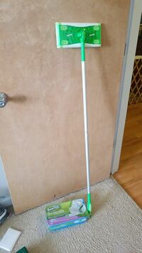 Swifter mop and one full refill pack Virginia Beach, 23455