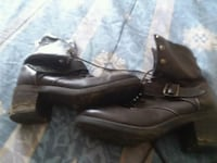 pair of black leather shoes Jonesborough, 37659