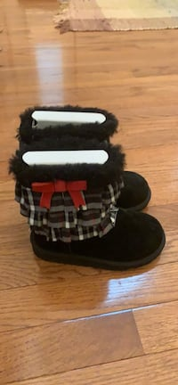 Little Girl UGG boots size 11 Oxon Hill, 48311
