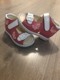 Baby shoes for first walkers, never used, genuine leather shoes. Toronto, M2K 1C3
