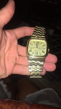 square gold analog watch with link bracelet Gilroy, 95020