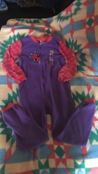toddler's purple and red footie pajama Gatineau, J9H 2N2