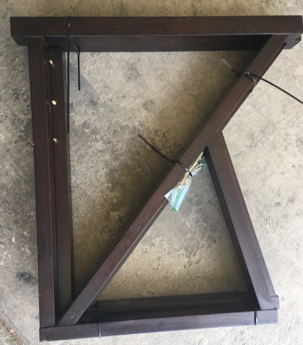 Large Desk with center drawer 4f7c638e-2412-4695-9c41-f221436f5a93
