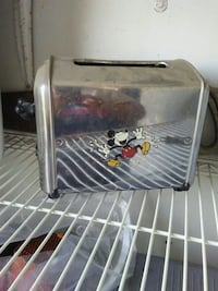 Mickey mouse collectible toaster Wapato, 98951