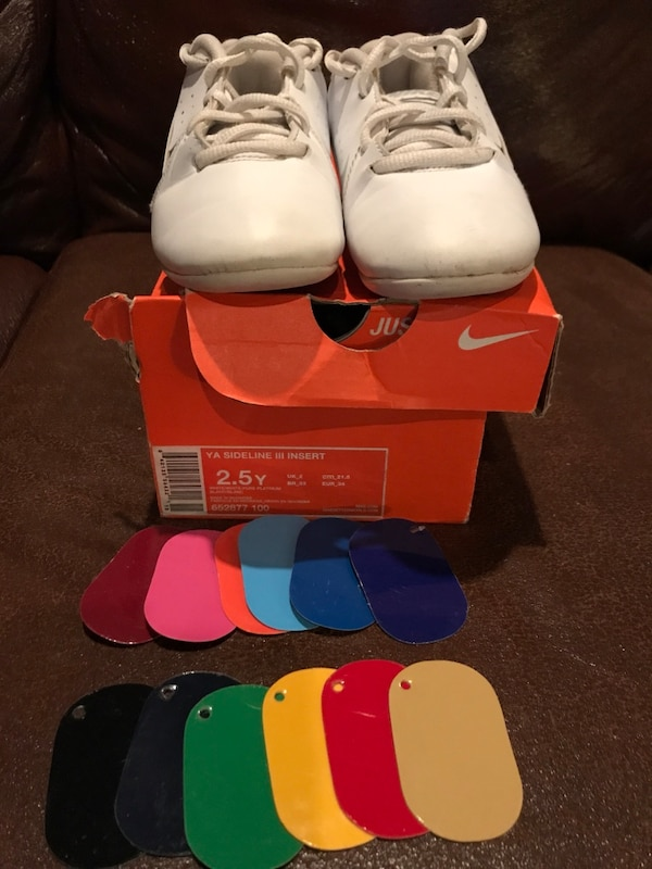 edd2d80a1177bd Nike Sideline lll Insert Youth Cheer Shoes - Size  Y 2.5 Comes with two of  every color insert shown in pictures  25 or best offer