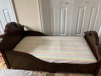 Toddler bed with mattress  Centreville, 20120