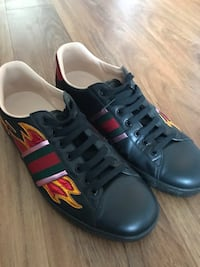 Gucci shoes worn few times still in great condition ,for men's - but fits size 11-12 size feet Toronto, M6P 2S7