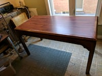 Table writing desk needs paint and tlc Vaughan, L4L 3P2