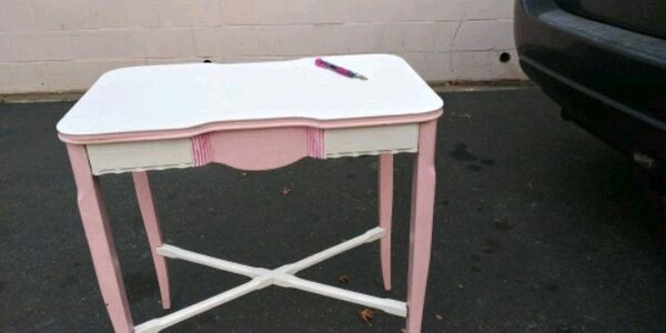 Used Cute Antique Girls Writing Table For Sale In Aptos Letgo