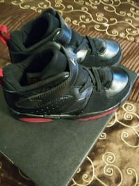 pair of black-and-red basketball shoes Orlando, 32808
