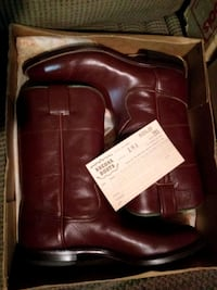 pair of brown leather boots in box Curry County, 88101