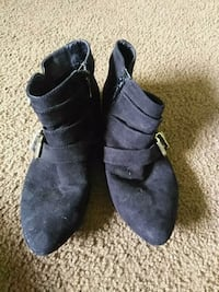 Black suede boots size 7 Bryan, 43506