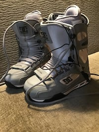 Snowboard Boots (Men's Size 5: DC New)