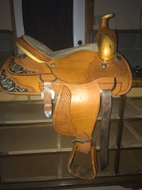 Saddle by western star saddle shop in great condition Saint Cloud, 56303