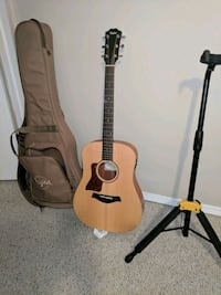 Left hand Taylor Guitar with electronics Fort Saskatchewan, T8L 0E7