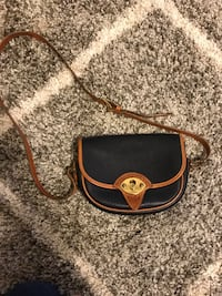Dooney and bourke purse Clarksville, 21029