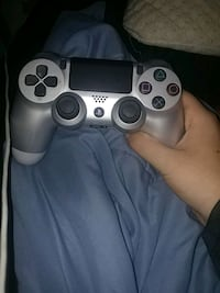 black and gray Sony PS4 controller Toronto, M4C 3H8