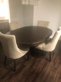 Pottery Barn Lorraine Dining Table and 4 Hayes Chairs $3600 value for $2000 Alexandria, 22312