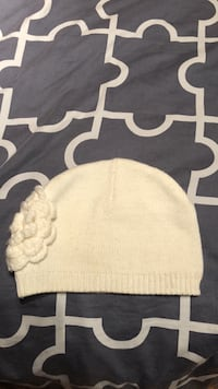 White hat worn once value 30$ Laval, H7S 1Y3